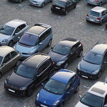 Steuertipp 100 für Selbständige und Unternehmen: mehrere teure Geschäftswagen